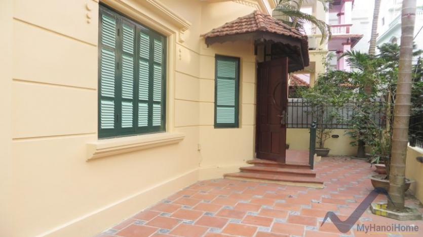 a-stunning-detached-house-to-rent-in-tay-ho-area-unfurnished-2