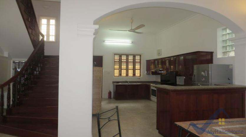 a-stunning-detached-house-to-rent-in-tay-ho-area-unfurnished-4