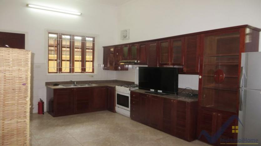 a-stunning-detached-house-to-rent-in-tay-ho-area-unfurnished-5