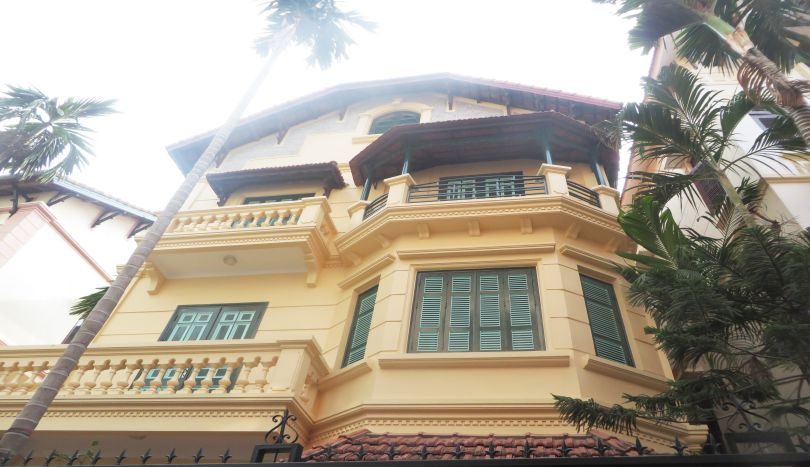 A stunning detached house to rent in Tay Ho area, unfurnished