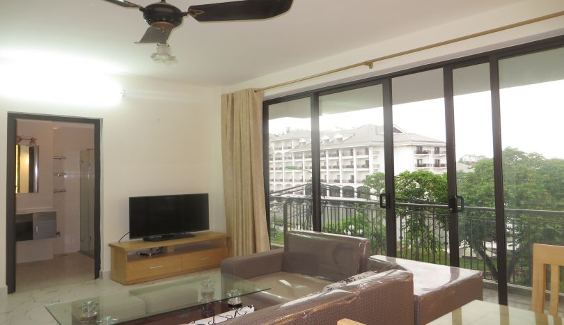 About renting this 2 bedroom apartment in Tay Ho, lake view