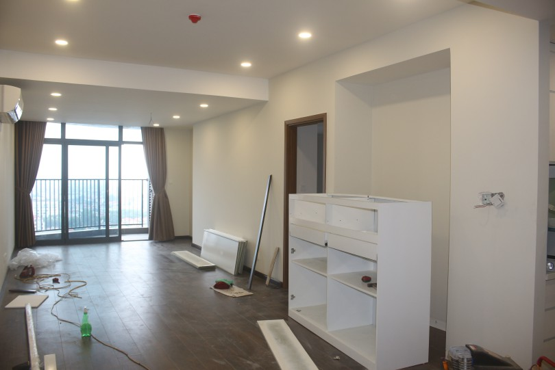 Amazing unfurnished 2br apartment for rent Discovery Complex 320 Cau Giay