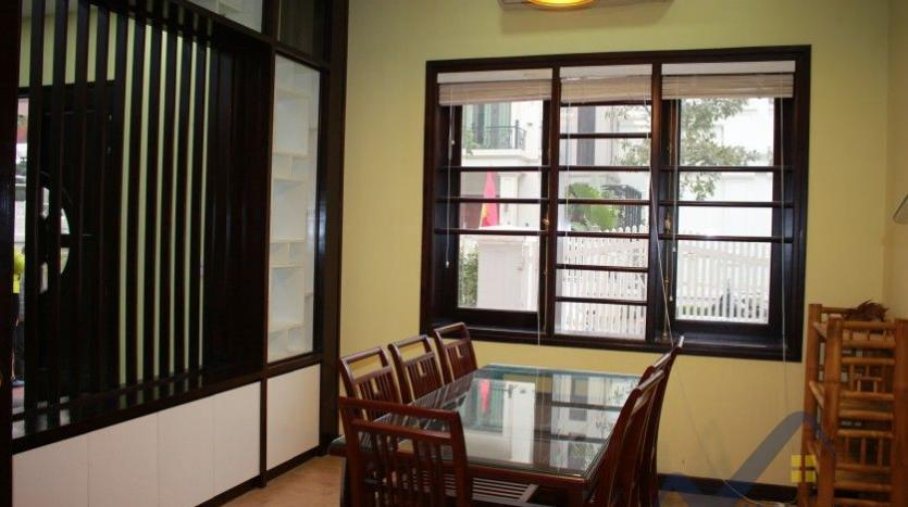 anh-dao-vinhomes-riverside-villa-for-rent-with-furnished-9