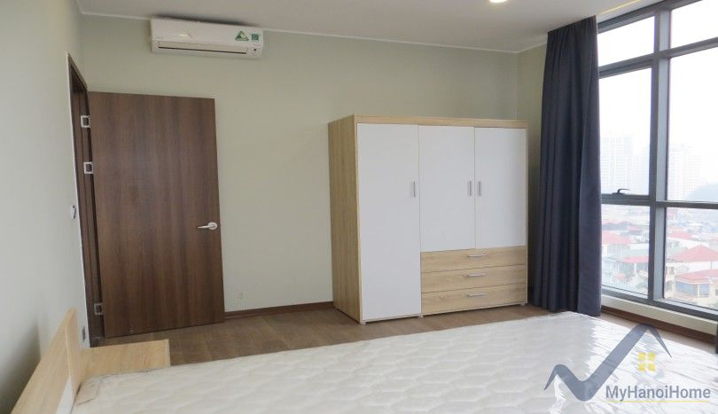 Apartment for rent in Trang An Complex three bedrooms furnished