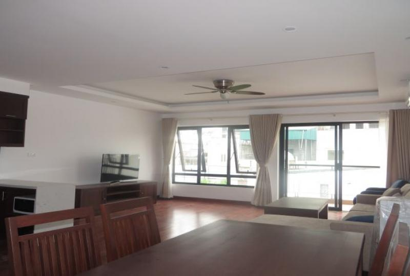 Apartment rental in Tay Ho district with 2 bedrooms, 2 bathrooms