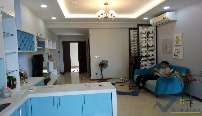 Apartment Trang An Complex Cau Giay to rent with furnished 2 beds