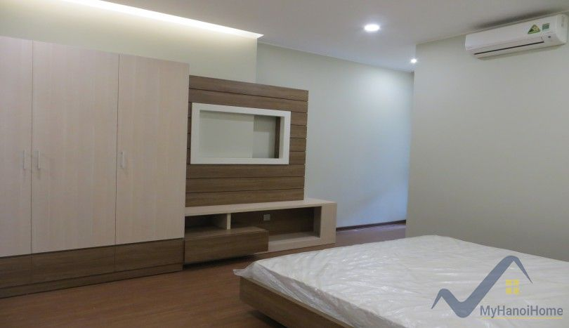 Apartment Trang An Complex to lease with furnished 2 bedrooms