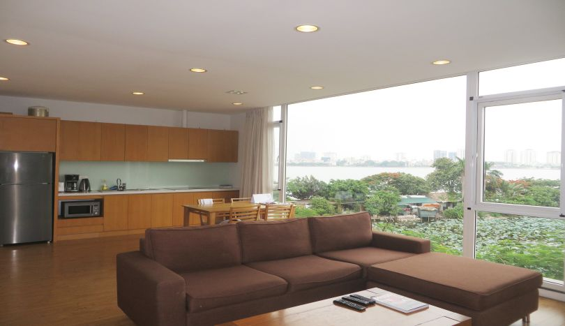 Beautiful 02BRS serviced apartment in Tay Ho, full services, to rent