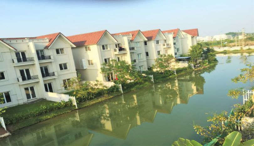 Beautiful villa to rent in Vinhomes Riverside, furnished 4 bedrooms
