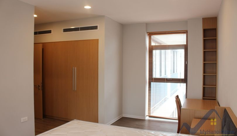 Brand new 2 bedroom apartment in Tay Ho close Xuan Dieu