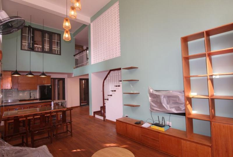 Bright duplex apartment 3 bedrooms in Long Bien for rent