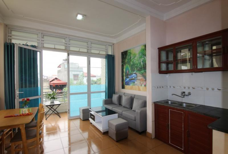 Budget 2 bedroom apartment to rent in Long Bien, Ngoc Thuy street