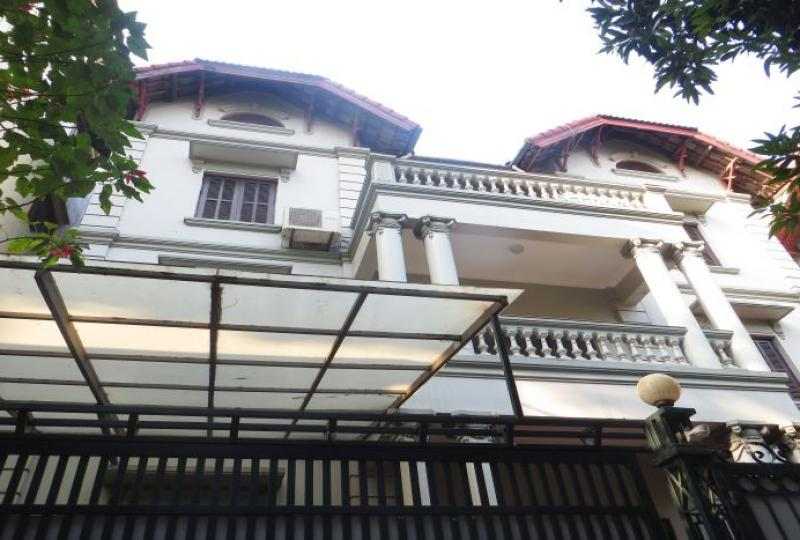 Car access with 5 bedroom house for rent in Tay Ho