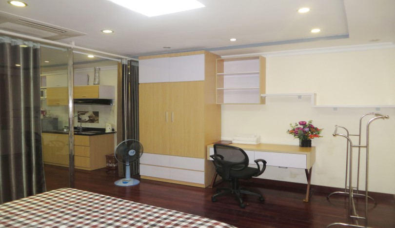 Cau Giay 1 bedroom apartment for rent, 5th floor Trung Yen