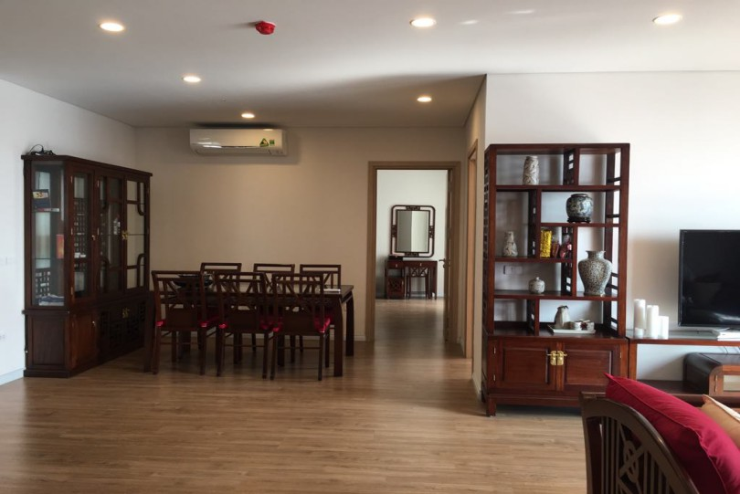 Corner 3br apartment for rent Mipec Riverside Long Bien furnished