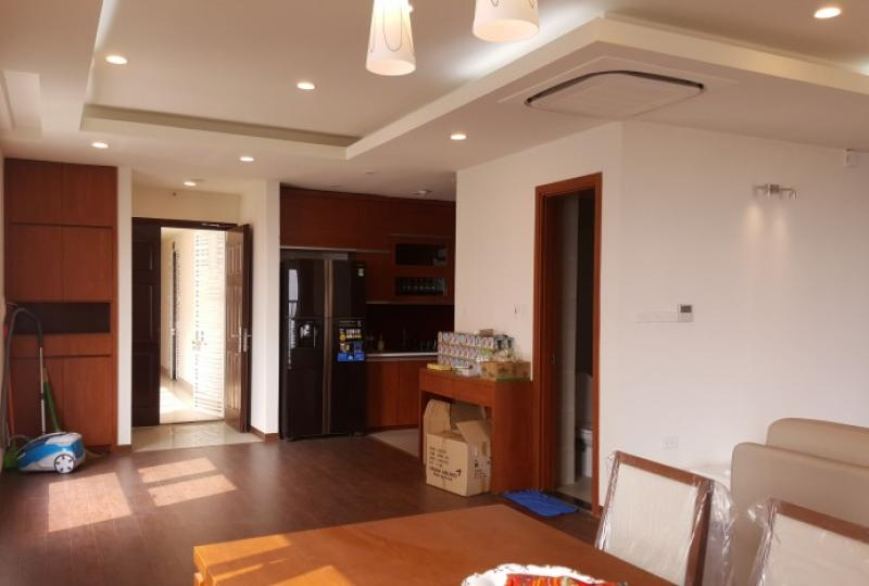 Corner furnished 2 bedroom apartment to rent in Berriver Long Bien