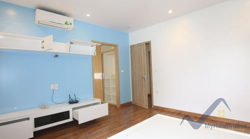 cosy-house-in-anh-dao-vinhomes-riverside-with-4-bedrooms-32