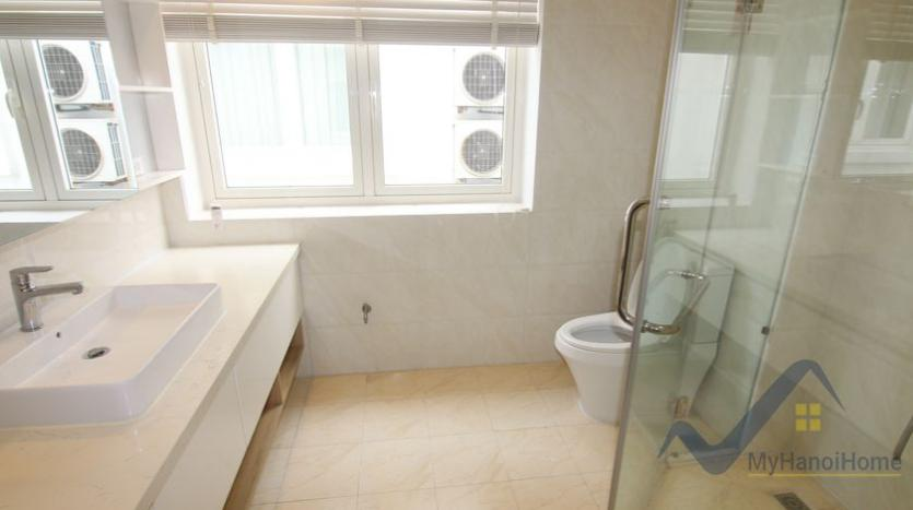 cosy-house-in-anh-dao-vinhomes-riverside-with-4-bedrooms-34