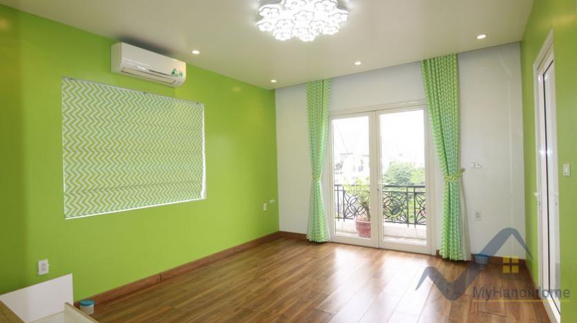 cosy-house-in-anh-dao-vinhomes-riverside-with-4-bedrooms-35