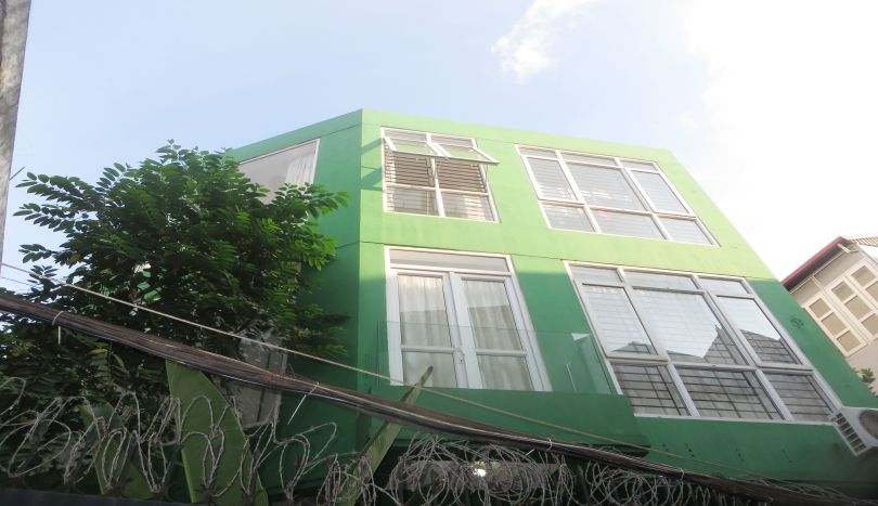 Detached house for rent on Au Co, Tay Ho area, 4 bedrooms