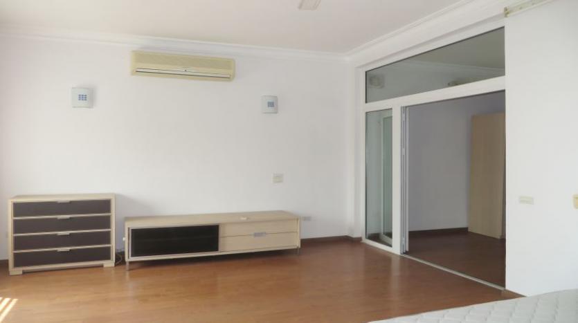 detached-villa-for-rent-in-tay-ho-4-bedrooms-04-bathrooms-10