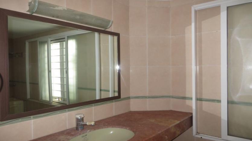 detached-villa-for-rent-in-tay-ho-4-bedrooms-04-bathrooms-13