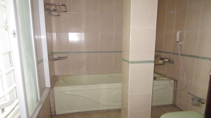 detached-villa-for-rent-in-tay-ho-4-bedrooms-04-bathrooms-14