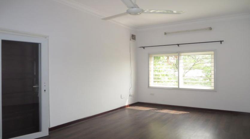 detached-villa-for-rent-in-tay-ho-4-bedrooms-04-bathrooms-15