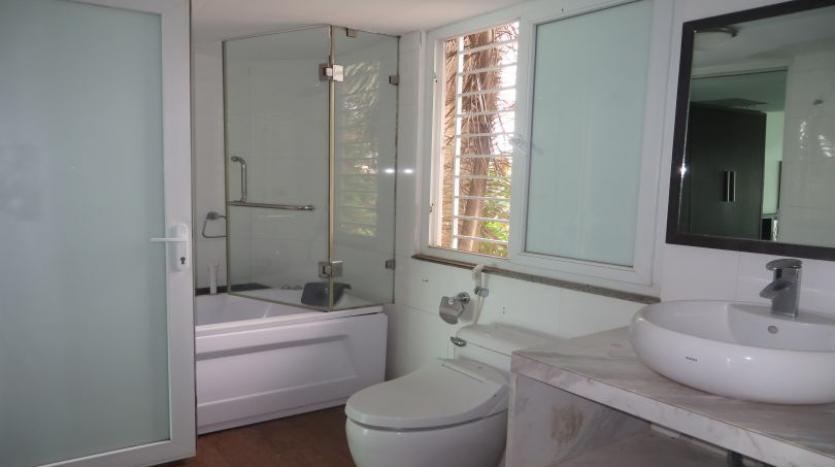 detached-villa-for-rent-in-tay-ho-4-bedrooms-04-bathrooms-17