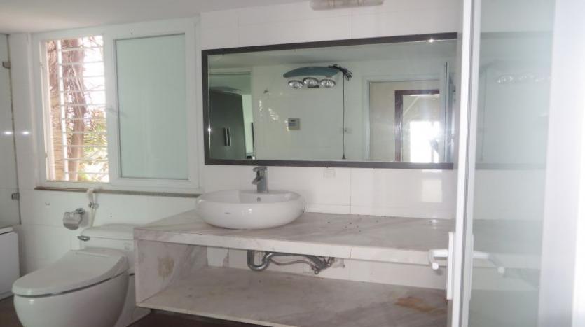detached-villa-for-rent-in-tay-ho-4-bedrooms-04-bathrooms-19