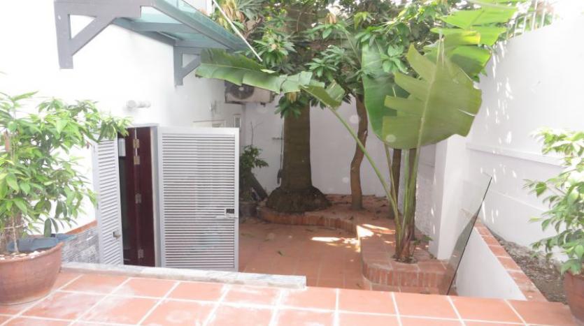 detached-villa-for-rent-in-tay-ho-4-bedrooms-04-bathrooms-30