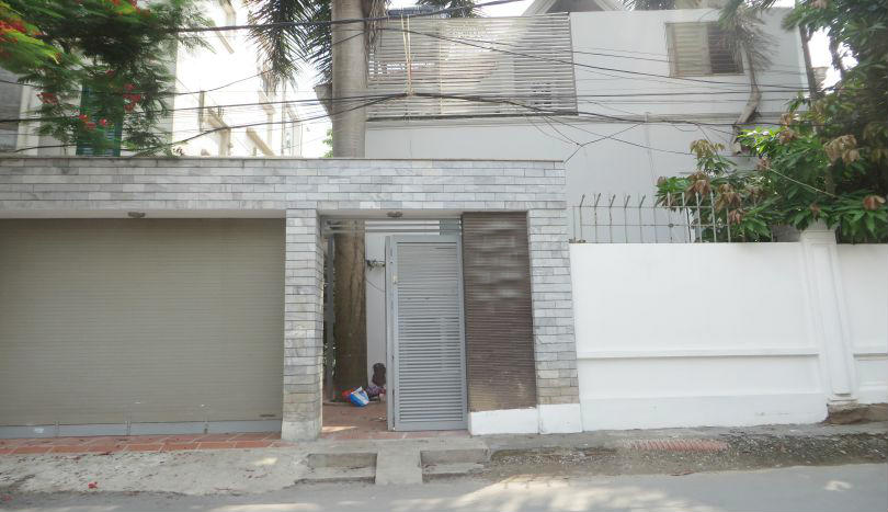 Detached villa for rent in Tay Ho, 4 bedrooms, 04 bathrooms