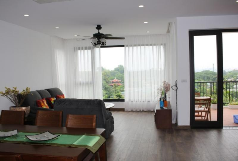 Duplex Tay Ho apartment to rent 03 bedrooms lake view terrace
