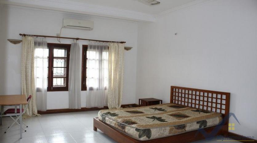 exceptional-family-house-for-rent-in-tay-ho-xom-chua-village-13
