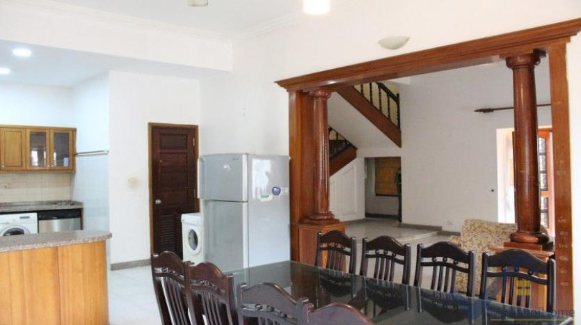 exceptional-family-house-for-rent-in-tay-ho-xom-chua-village-6