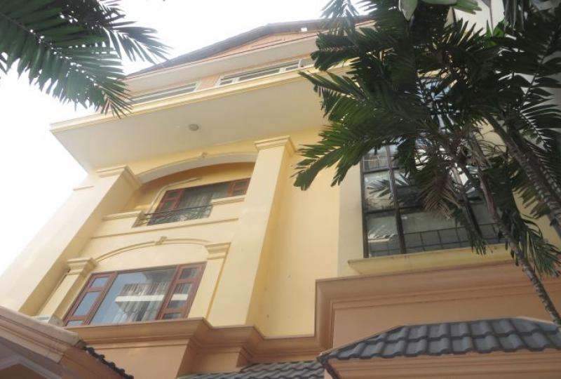 Exceptional family house for rent in Tay Ho, Xom Chua village
