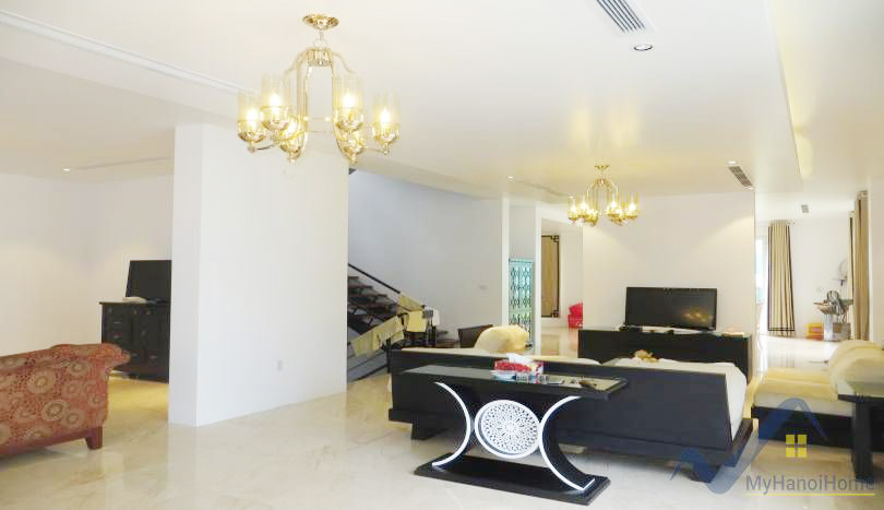 Exquisite detached villa for rent in Vinhomes Riverside Long Bien