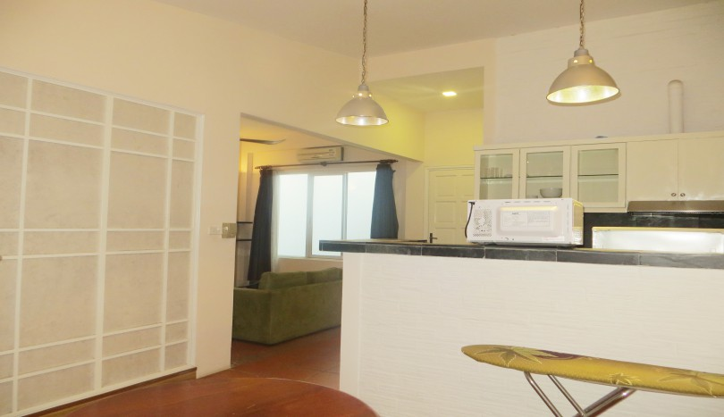 Fabulous studio for rent in tay ho with 40sqm living space for Living spaces for rent