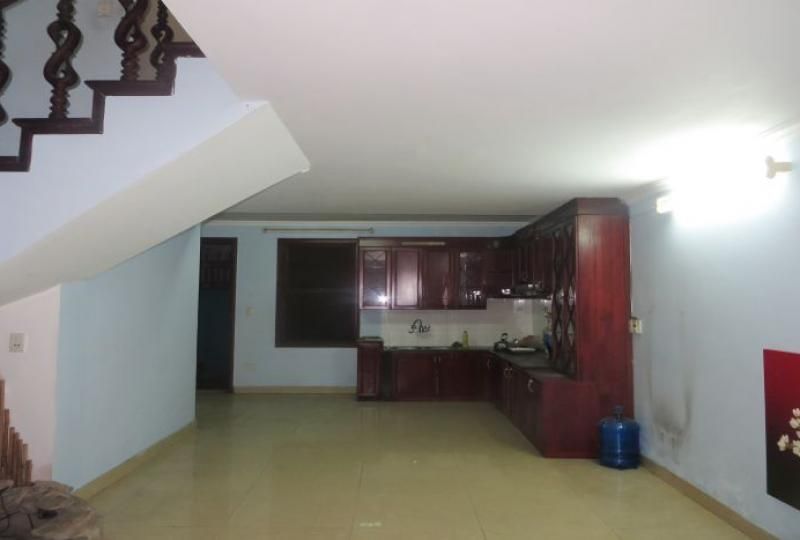 Family house for rent in Tay Ho, 4 bedrooms, 4 bathrooms