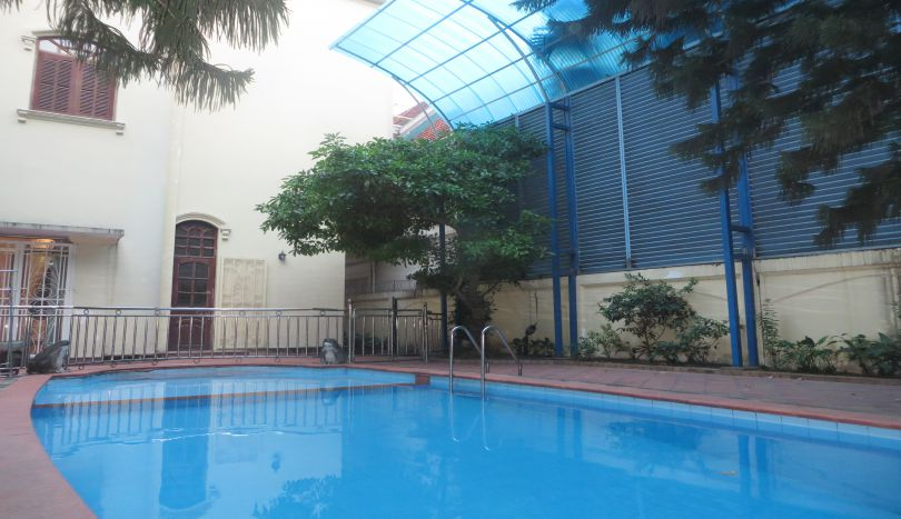 Family swimming pool, 450 m2 of land size villa for rent