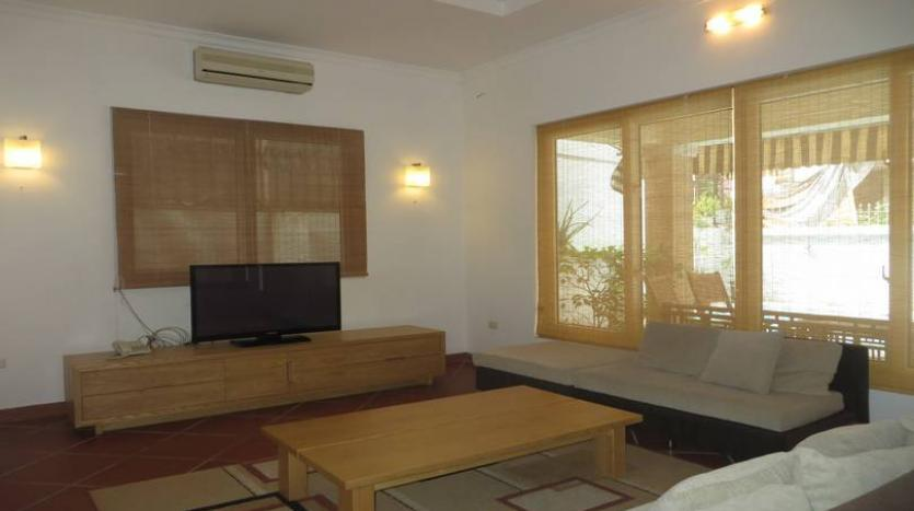 fantastic-stylish-detached-house-for-rent-in-tay-ho-area-pool-2