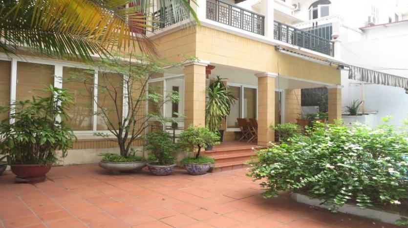 fantastic-stylish-detached-house-for-rent-in-tay-ho-area-pool-21
