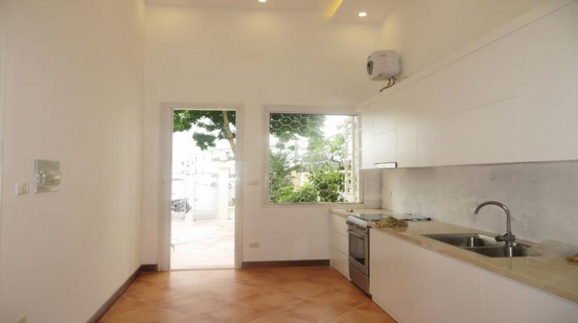 four-bedroom-house-to-rent-in-tay-ho-white-color-1