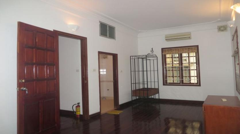 french-style-04-bedroom-house-for-rent-in-tay-ho-area-fully-furnished-13