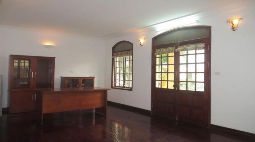 french-style-04-bedroom-house-for-rent-in-tay-ho-area-fully-furnished-15