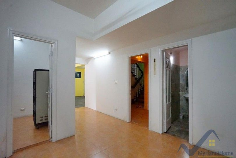 French style villa for rent in Trich Sai Tay Ho with 5 bedrooms