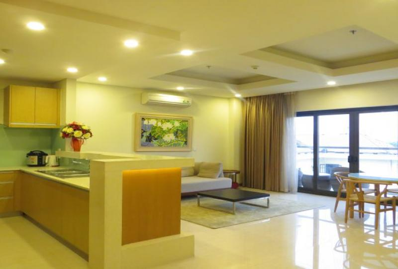 Full services apartment with 1 bedroom in Tay Ho for rent