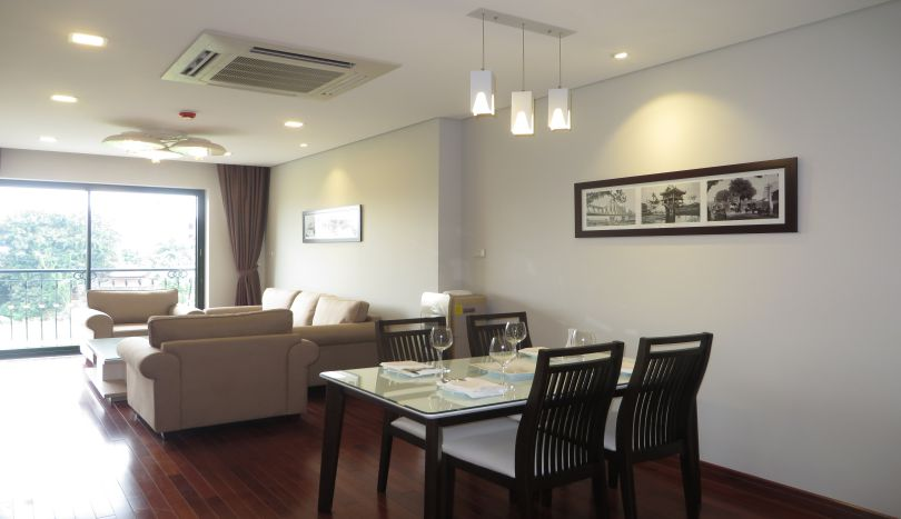 Full services of 2 bedroom apartment to let in Tay Ho, westlake