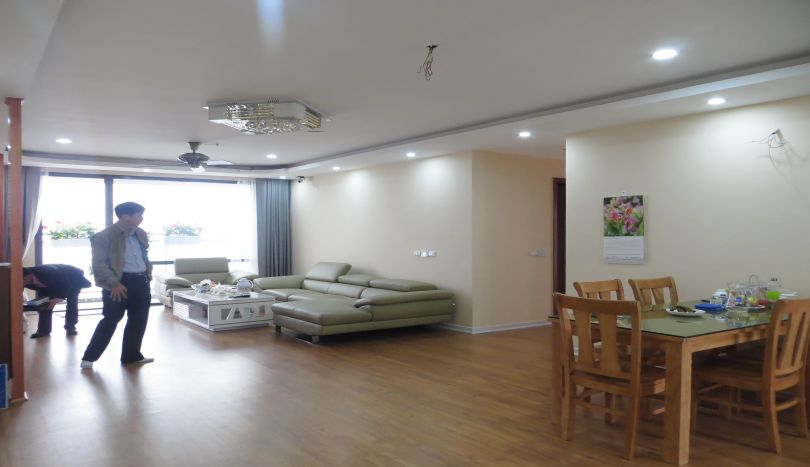 Fully furnished 3 bedroom apartment for rent in Mipec Riverside