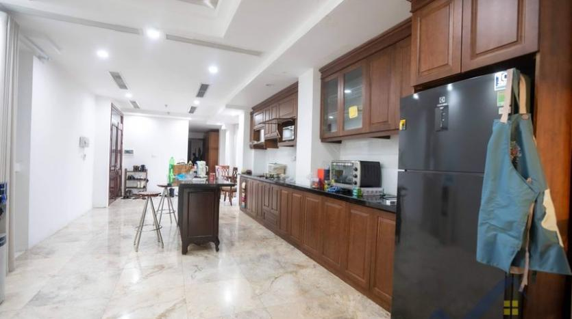 funished-3-bedroom-apartment-to-rent-truc-bach-with-lake-view-4